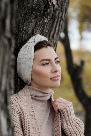 Headband avec des cheveux courts
